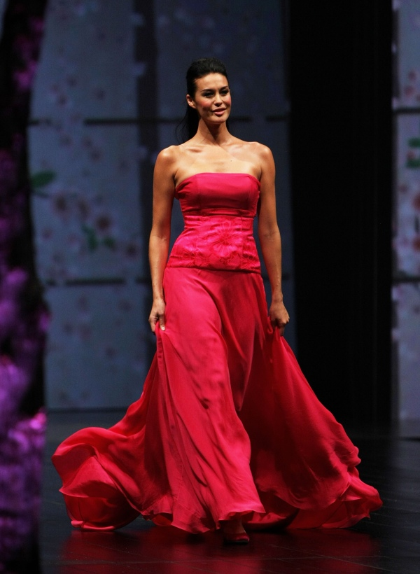 David Jones Winter 2008 finale Megan Gale wearing Akira dress